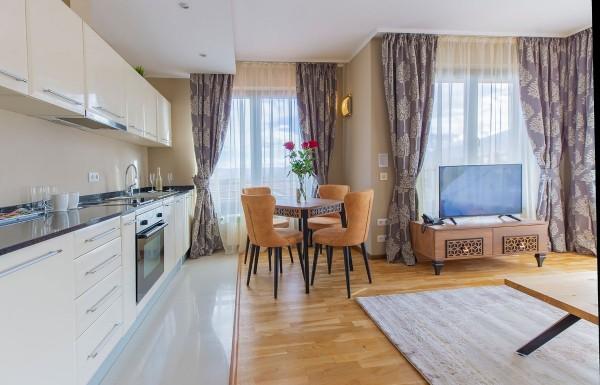 2-bedroom apt. livingroom 10