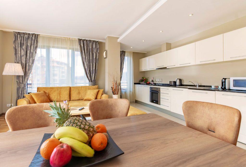 3-bedroom apt. livingroom 10