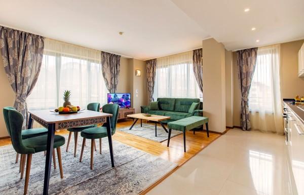 3-bedroom apt. livingroom 11