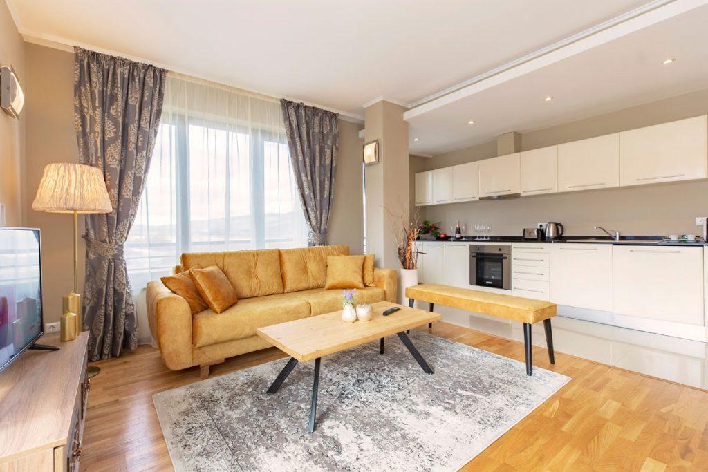 3-bedroom apt. livingroom 2