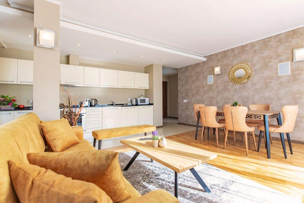 3-bedroom apt. livingroom 4