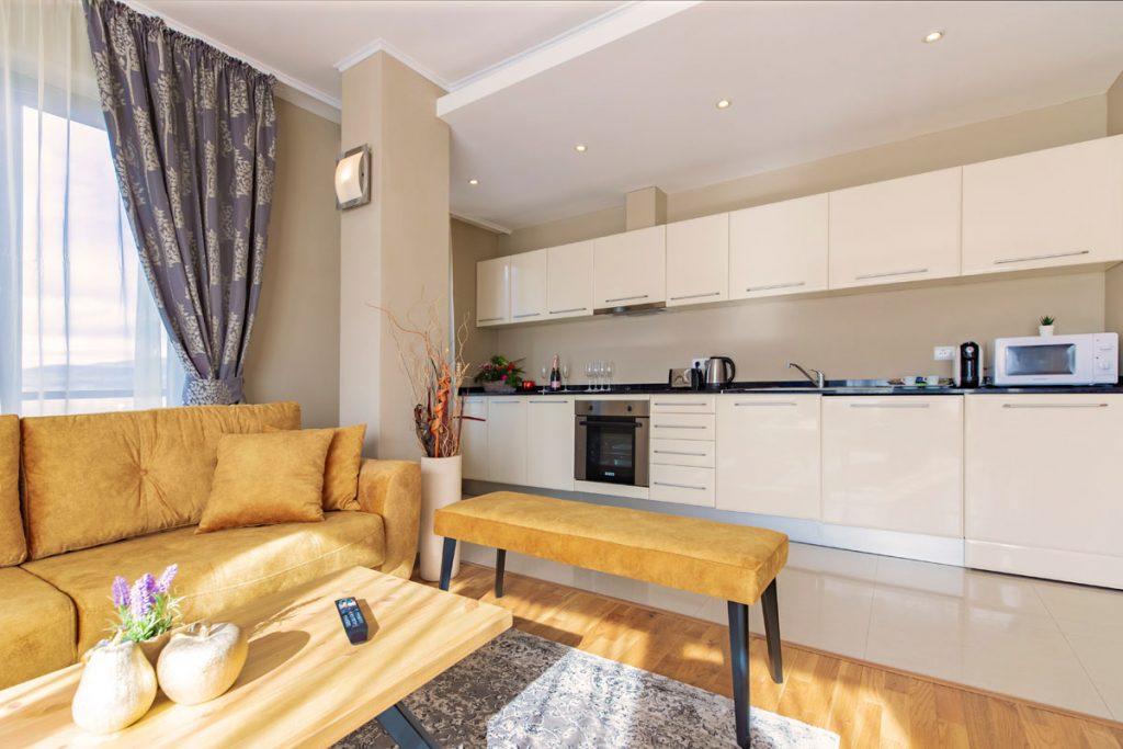 3-bedroom apt. livingroom 7