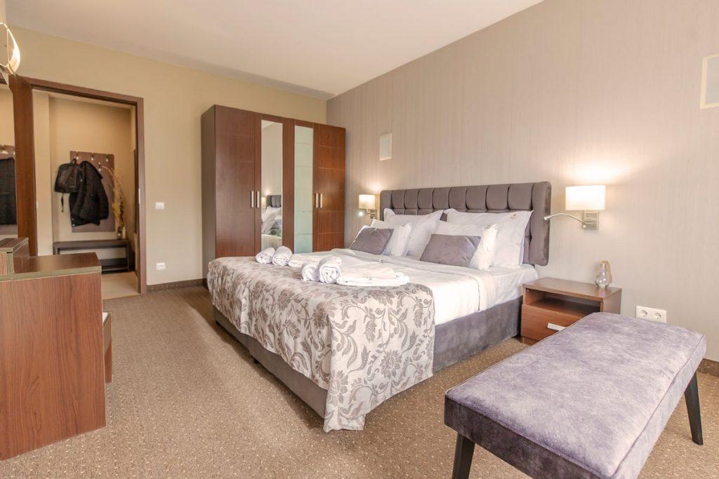 apartment bedroom 10