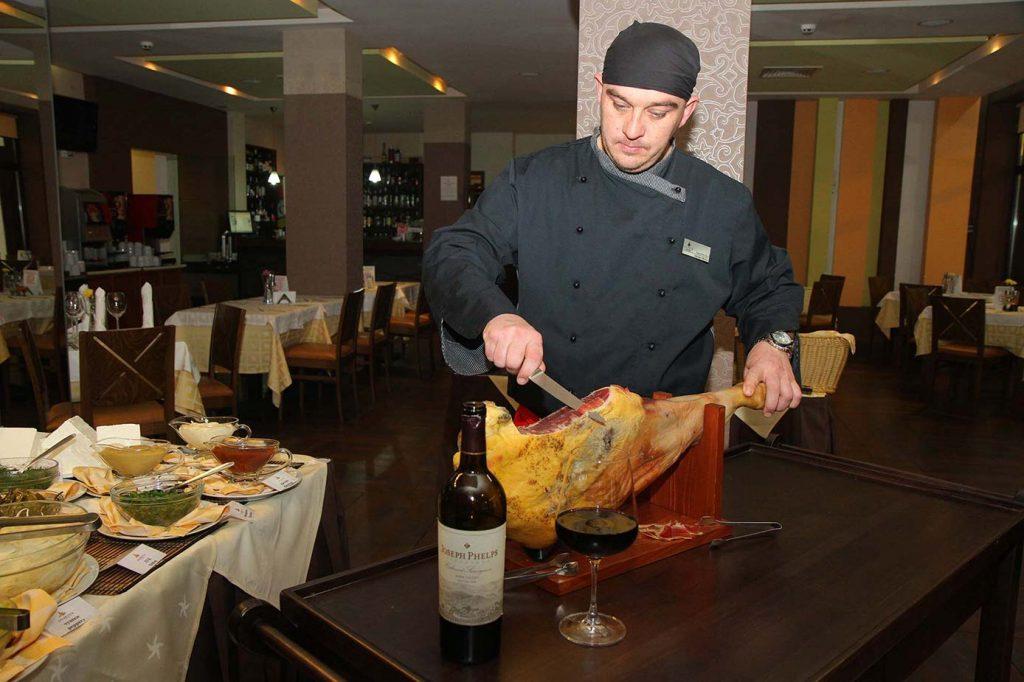 restaurant-01-lg