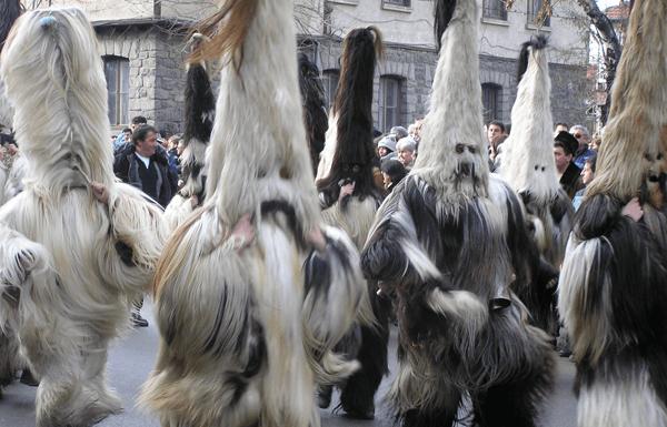 news-mejdunaroden-kukerski-festival-starchevata-thumb
