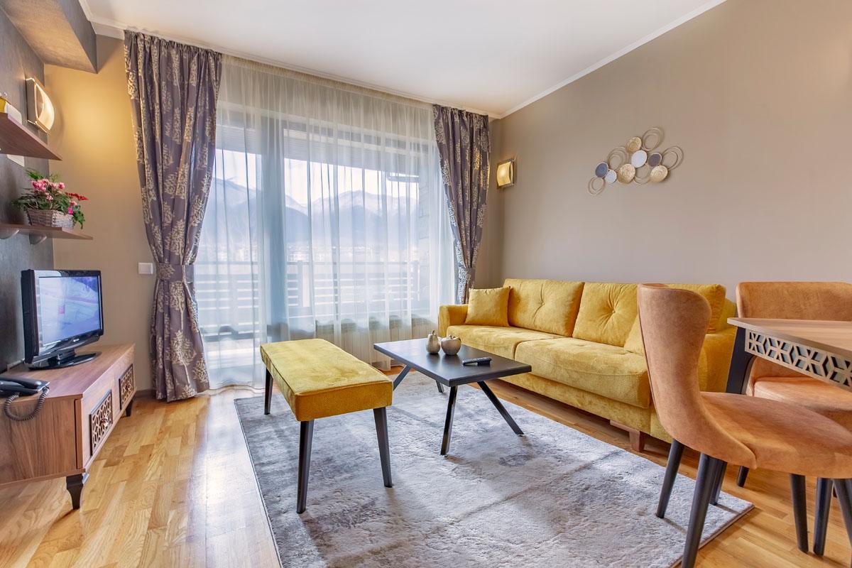 1-bedroom-apt.-livingroom-7