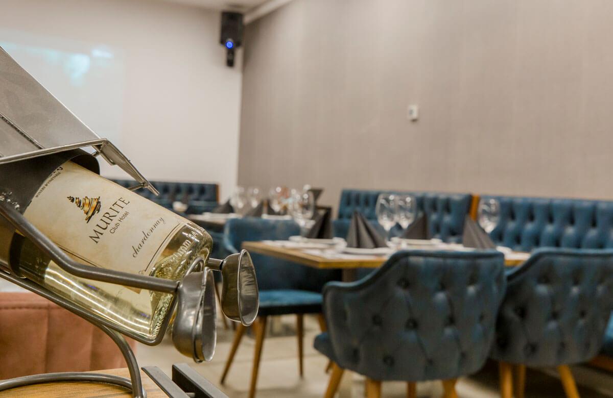Bar & Dinner 5